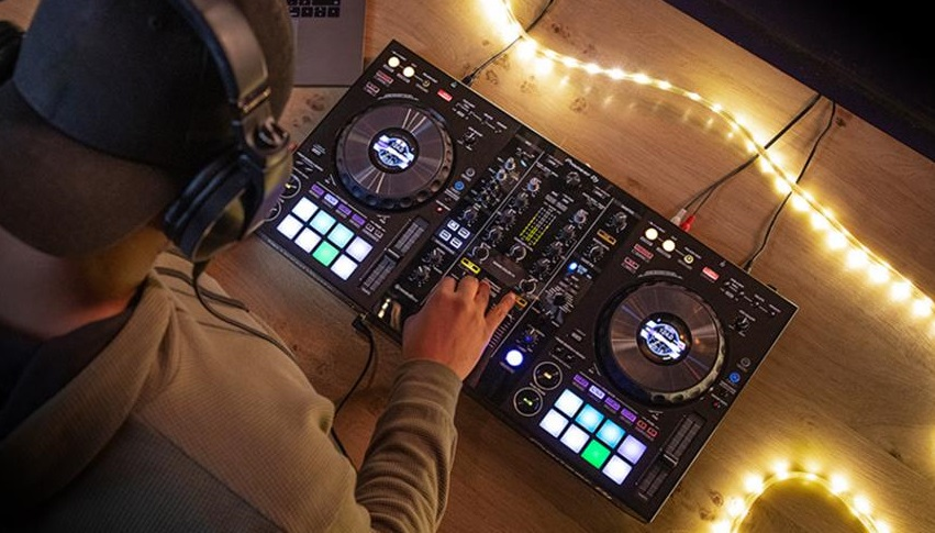 Do DJs need a license to play music?